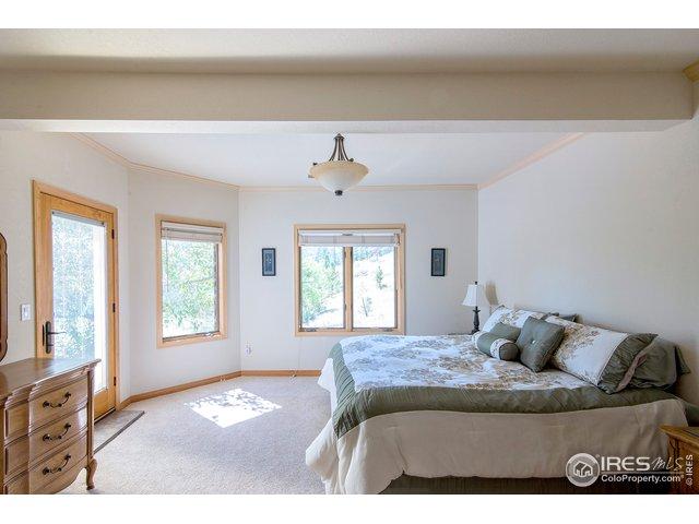 bedroom w/sep entrance