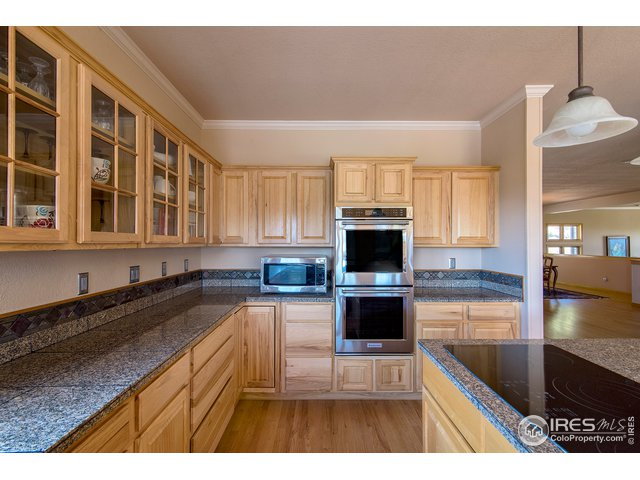 clean maple cabinetry