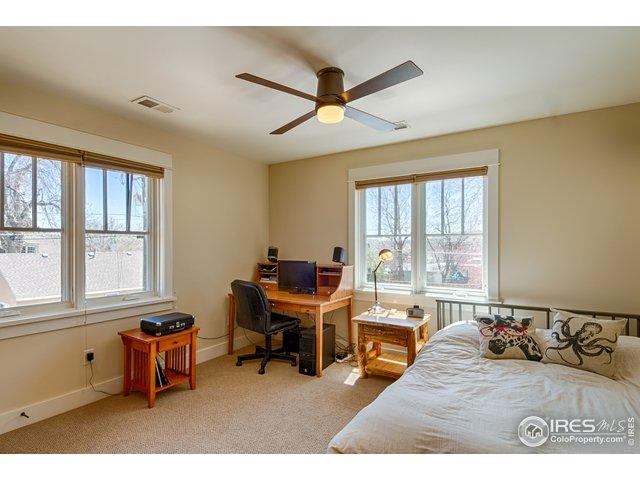 Southeast bedroom - upper level