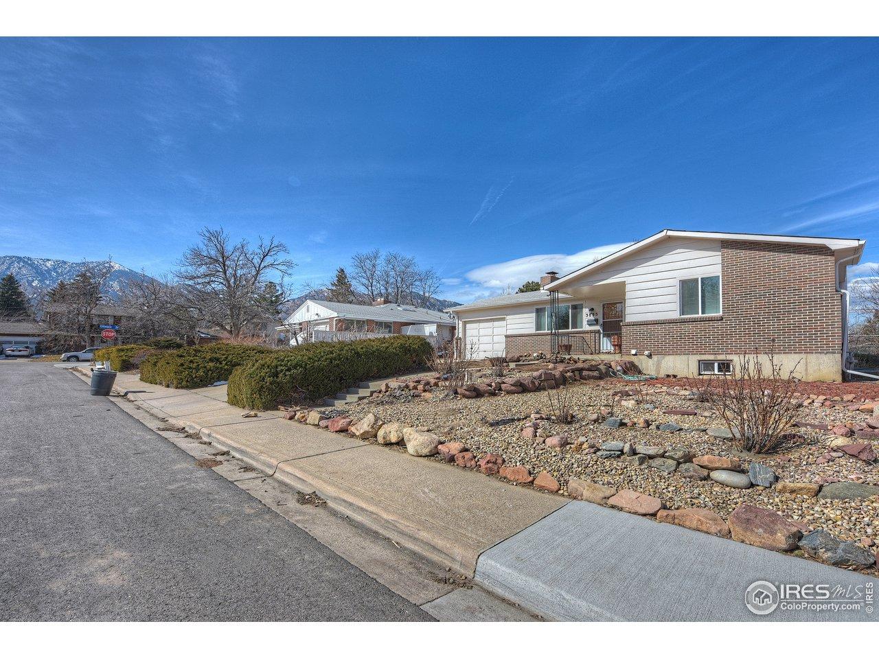 3835 Carlock Dr, Boulder CO 80305