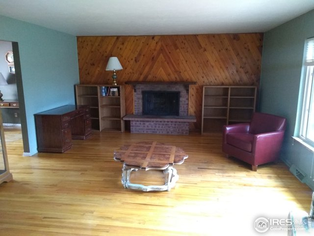 Living Room w/ Fire Place