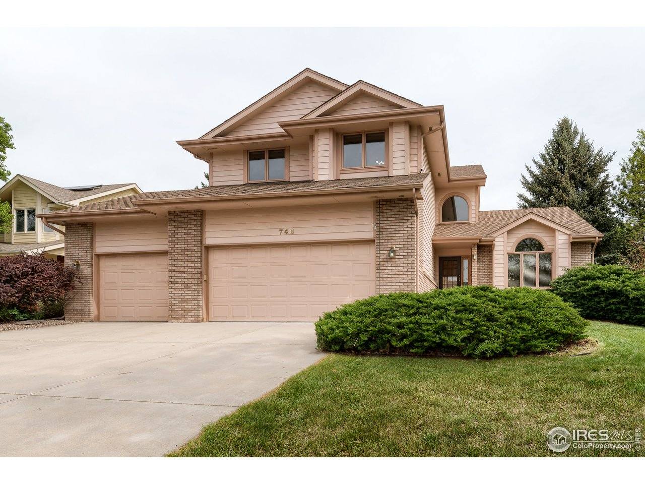 748 Rochelle Cir, Fort Collins CO 80526