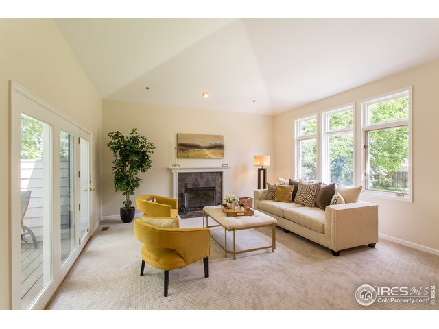 Bright, vaulted living room