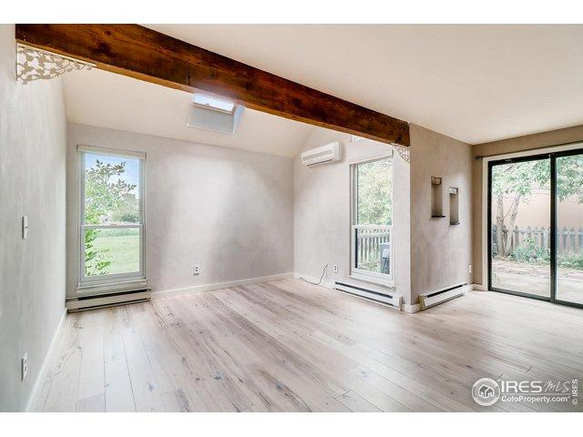 Living Room & Doors to Yard