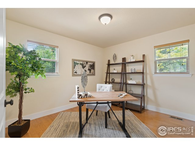 Great office space or 4th bedroom