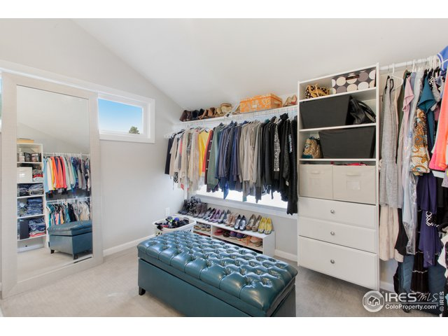 with Dressing Area & Walk in Closet