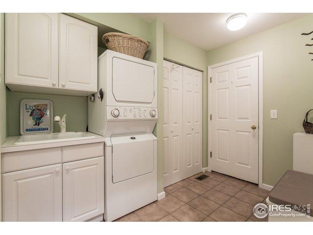 main floor laundry!
