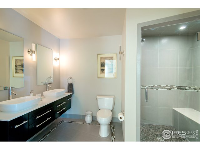 gorgeous bathroom w/heated floors!