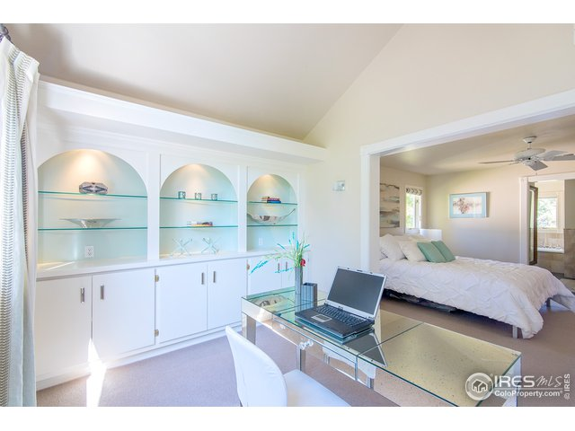 Multi-use! Nursery/office/snug room