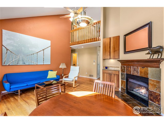 Great Room & gas fireplace