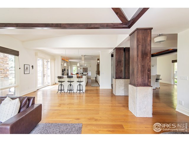 Sight lines from family room to kitchen