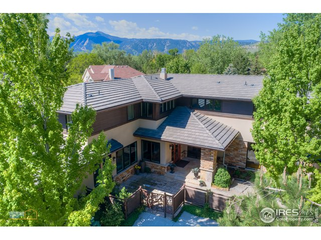 Private sanctuary in Carolyn Heights