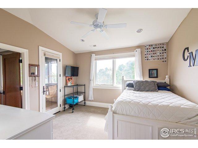 Upper level bedroom w/ensuite